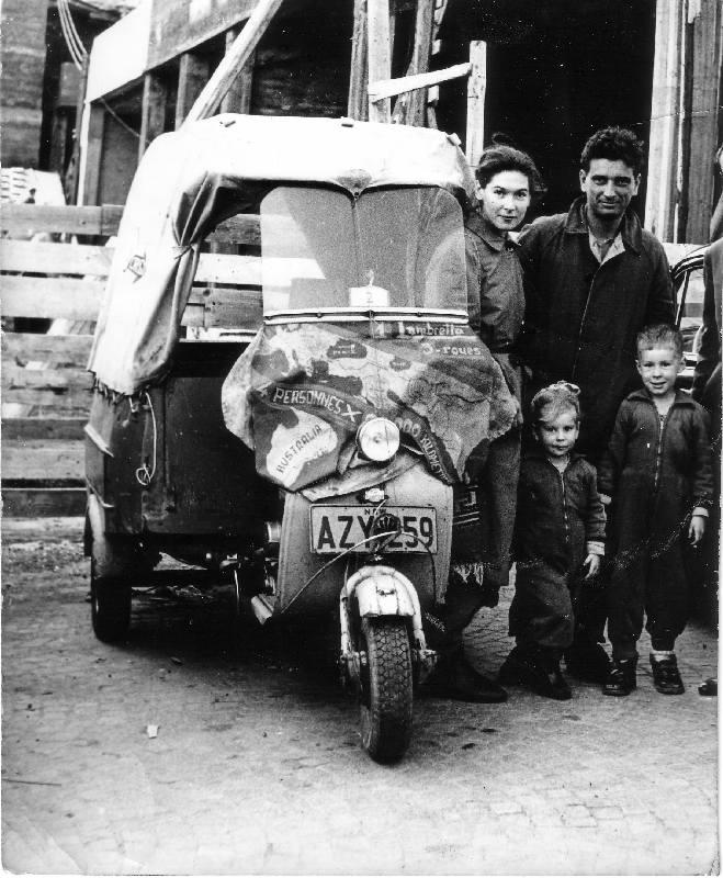 Jusqu'où peux-t-on aller en Vespa ? - Page 6 1955-bombay